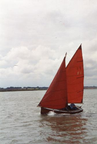 Classic 17ft Clinker Sailing Dinghy