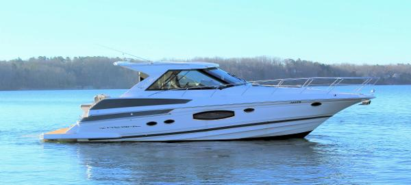 Regal 46 Sport Coupe Starboard profile