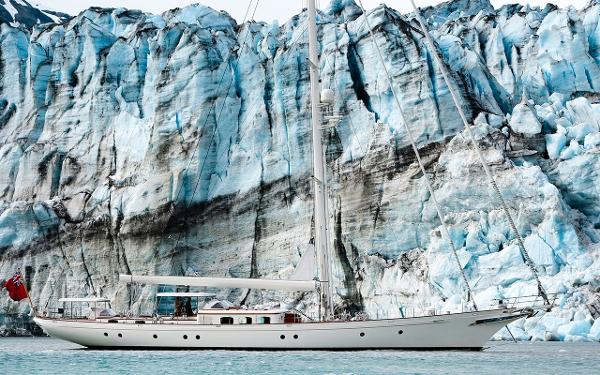 Royal Huisman On anchorage