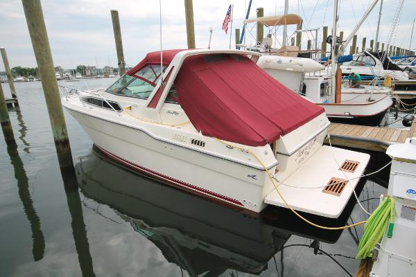 Sea Ray 300 Sundancer Port Stern