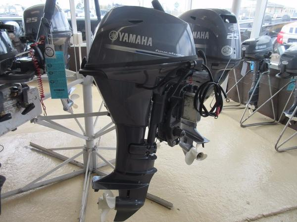 Yamaha F15LEHA