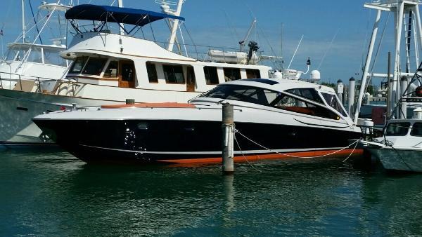 Baia FLASH 48 Baia Flash hull profile