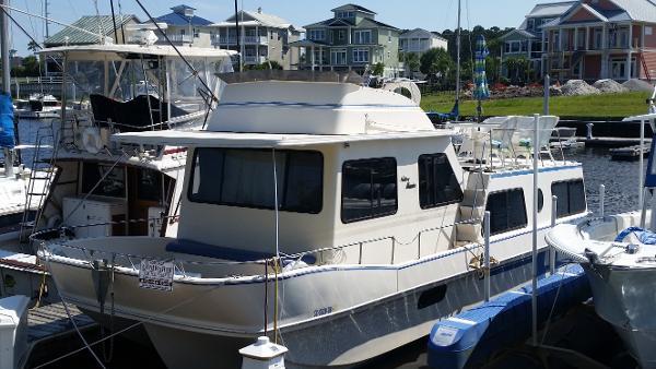 Holiday Mansion 36 Aft Cabin Coastal Barracuda