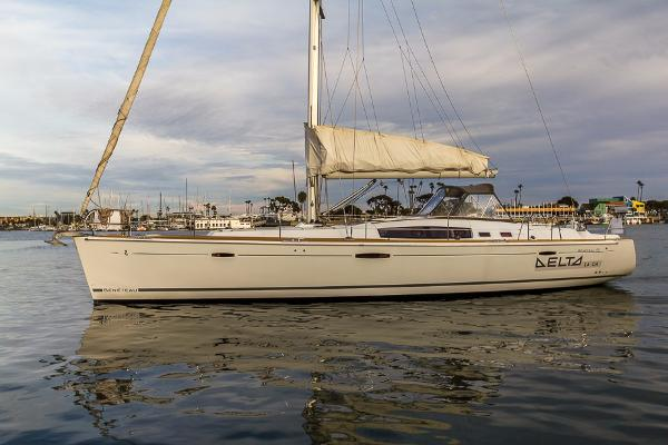 Beneteau Oceanis 49 Port Side