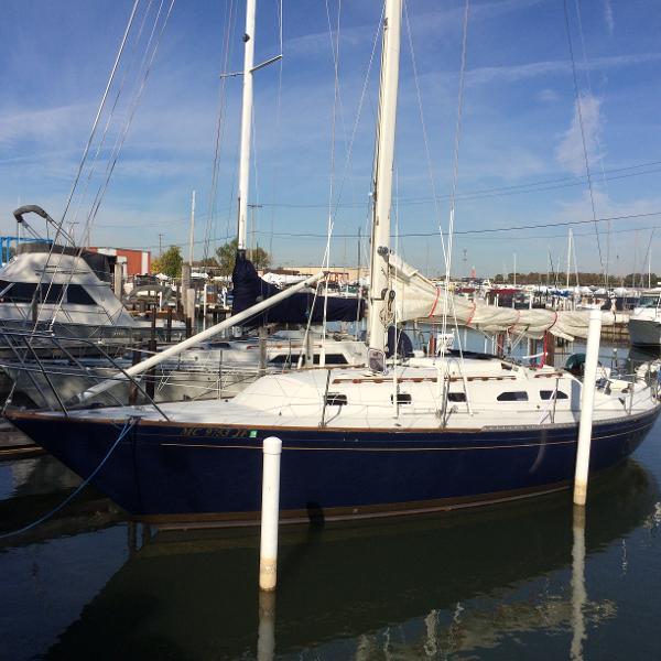Islander 36 Dockside