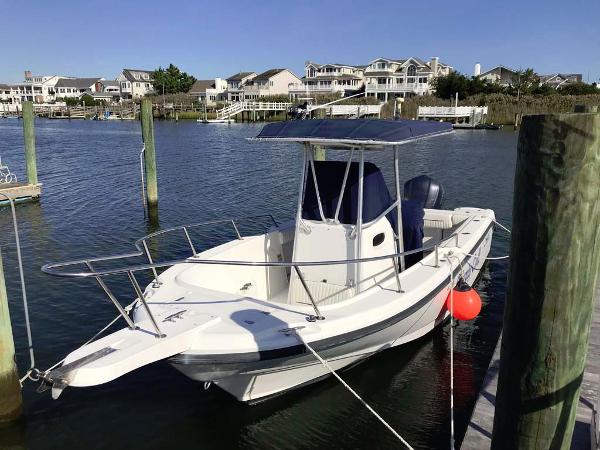 Boston Whaler 23 Outrage Main Profile