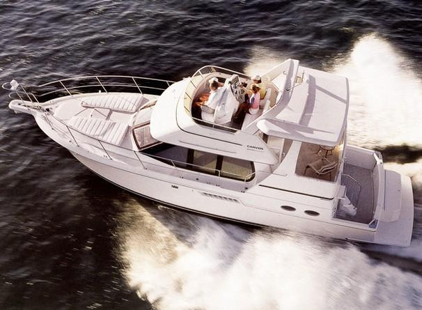 Carver 404 Cockpit Motor Yacht Manufacturer Provided Image: 404 Cockpit Motor Yacht