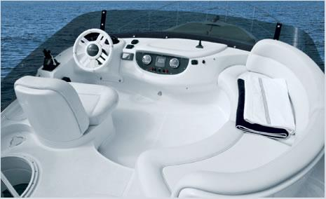 Flybridge Helm Position