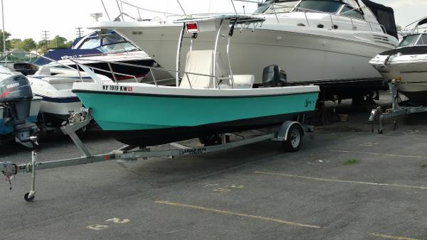C-hawk Boats 220 Center Console