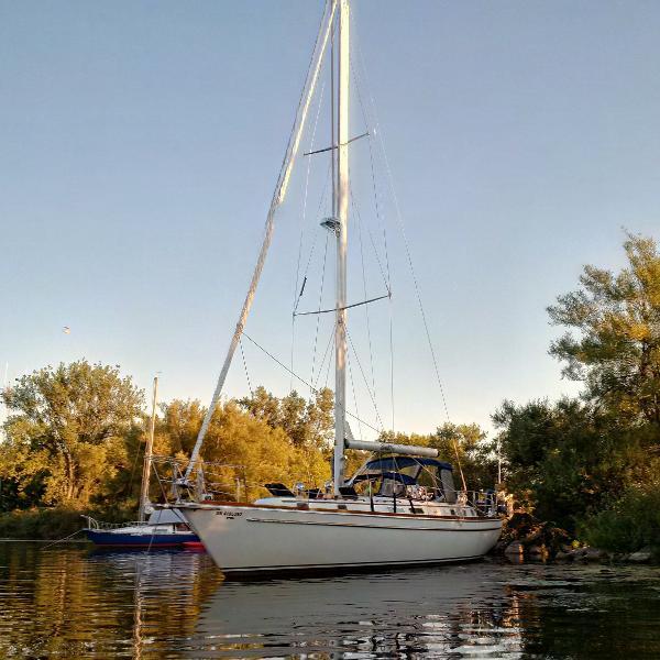 Gulfstar 44 Starboard Side