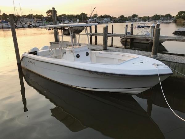 Angler Boats 2600 CC