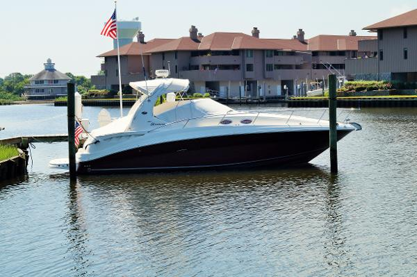 Sea Ray 320 Sundancer 2006 SEA RAY 320 SUNDANCER DOCKSIDE PROFILE