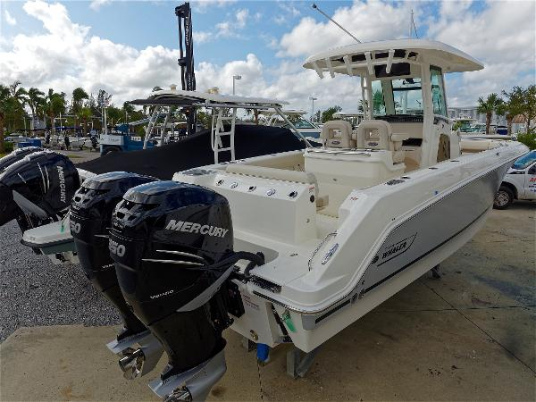 Boston Whaler 28 Outrage