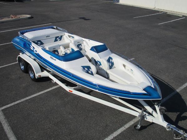 Ultra Boats 22 Stealth Bowrider