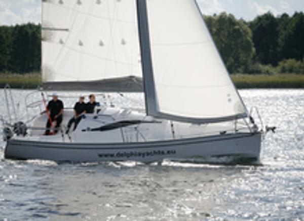 Delphia 28 Sailing