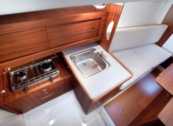 Delphia 28 Galley
