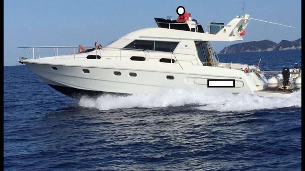 Ferretti Yachts 42 Yarding Yacht