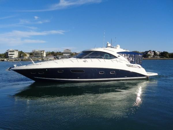 Sea Ray 47 Sundancer Sirenuse exterior profile away from her dock