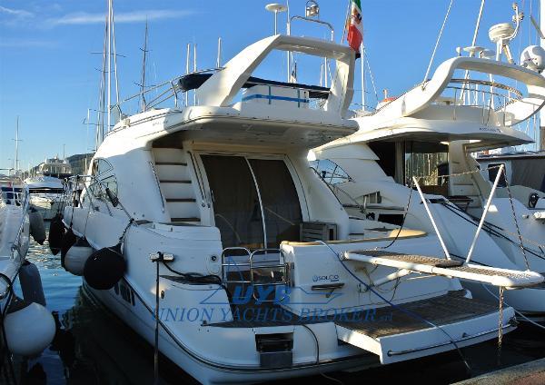 Sealine Motoryacht esterni