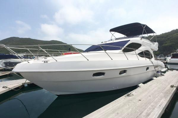 Majesty Yachts 44 Majesty 44 Profile