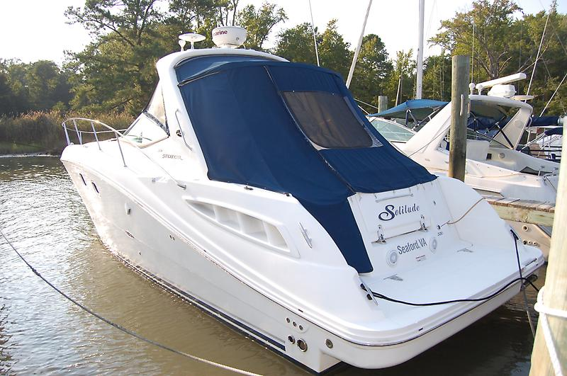 Sea Ray 330 Sundancer 2008 Sea Ray 330 Sundancer, port stern