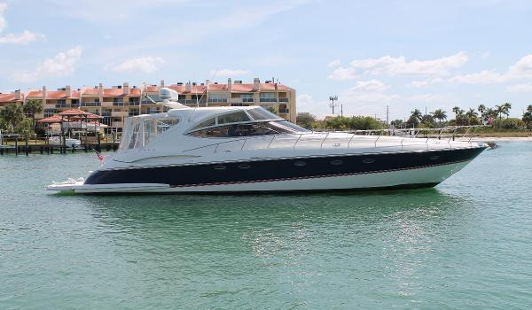 Cruisers Yachts 540 Express STB View