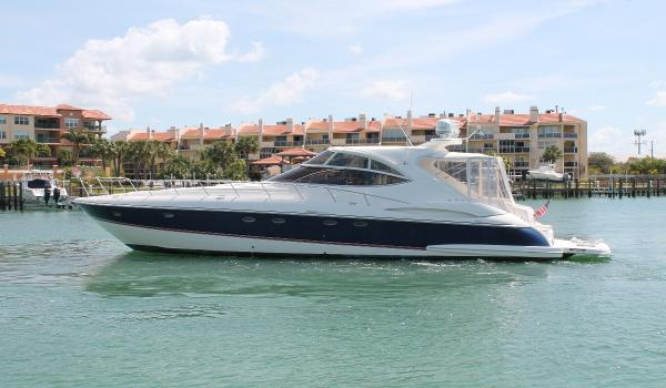 Cruisers Yachts 540 Express Port View