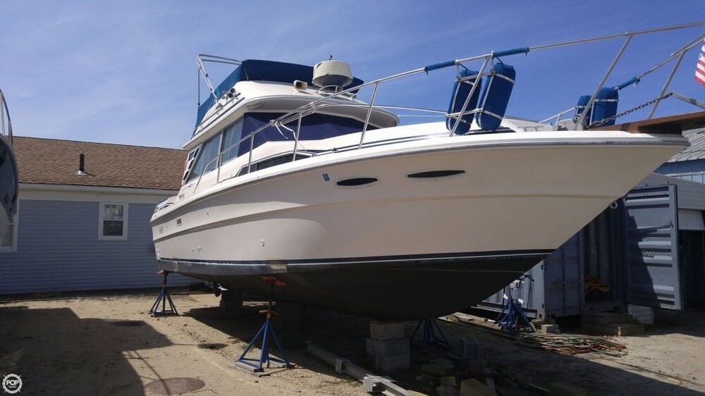Sea Ray 340 Sedan Bridge 1985 Sea Ray 34 Sedan Bridge for sale in Patchogue, NY