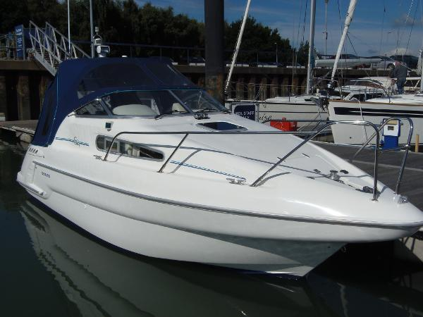 Sealine S24 View with Canopy