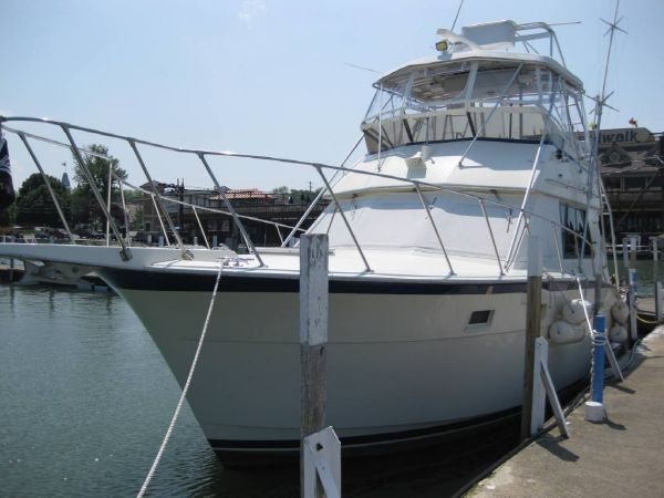 Used power boats sports fishing hatteras boats for sale in for Fishing boats for sale in ohio