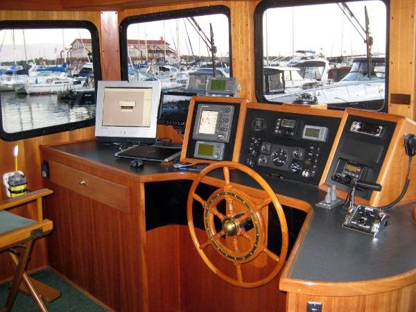 42' Nordic Tug pilothouse forward