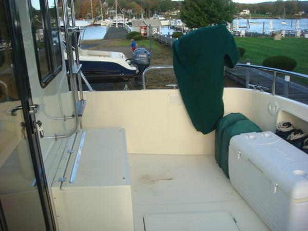 42' Nordic Tug aftdeck starboard