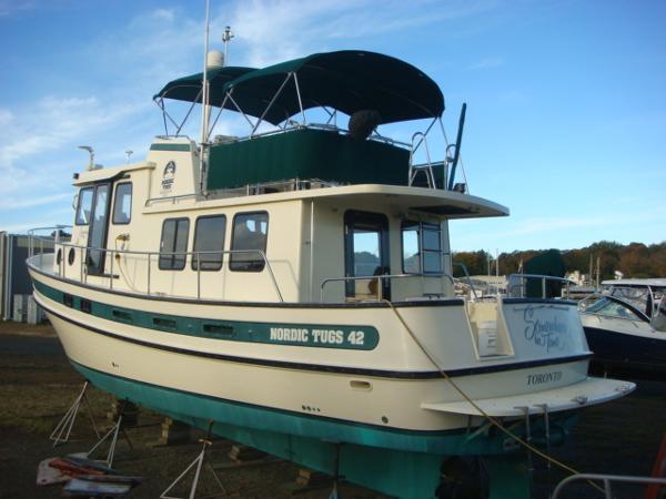 42' Nordic Tug port aft profile