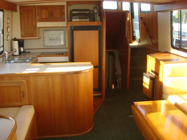 42' Nordic Tug salon forward
