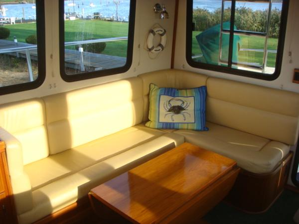 42' Nordic Tug salon starboard seating