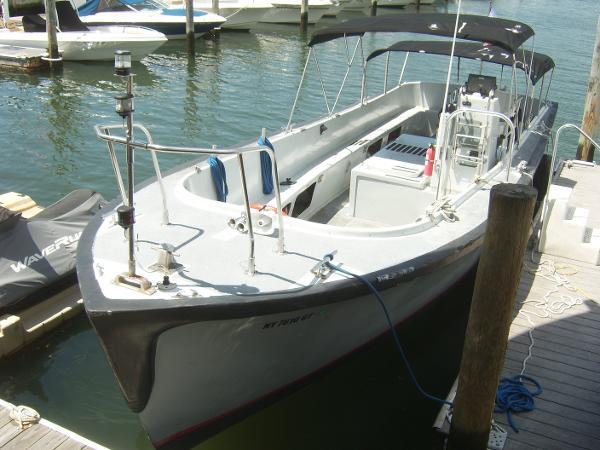 Willard Marine Launch 10 Meter