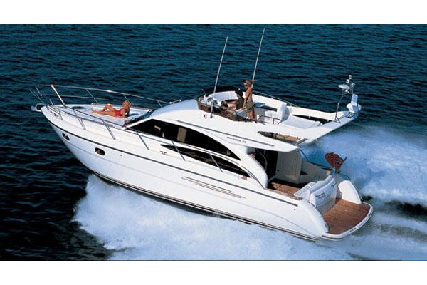 Princess 42 Flybridge Manufacturer Provided Image: Exterior View 1