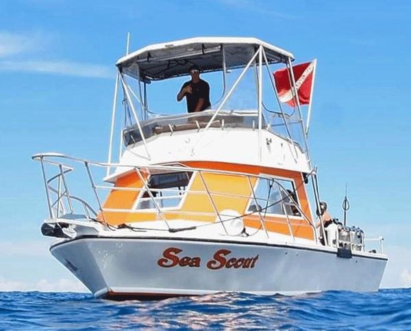 Island Hopper 30' Fly Bridge COI Dive USCG Certified for 13 passengers