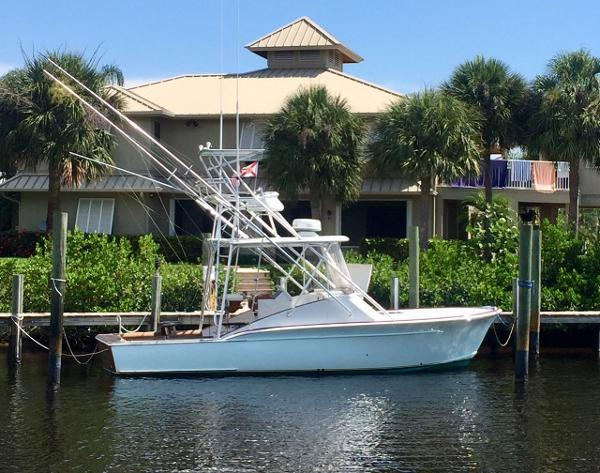 Custom Carolina Sportfish Express with Tower Starboard Profile