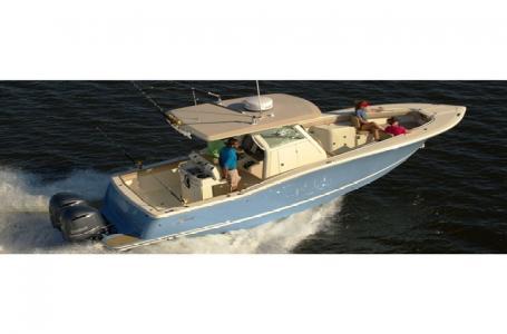 Scout Boat Company LXF/XSF/SF 320 LXF