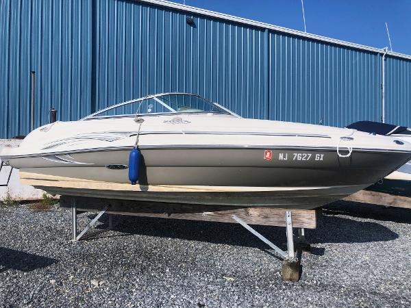 Sea Ray 200 Sundeck Main Profile