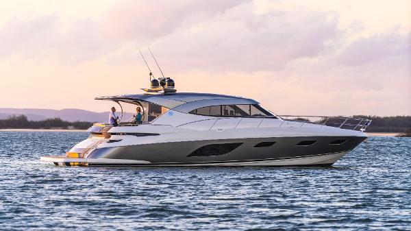 Riviera 6000 Sport Yacht Riviera 6000 Sport Yacht Platinum Edition