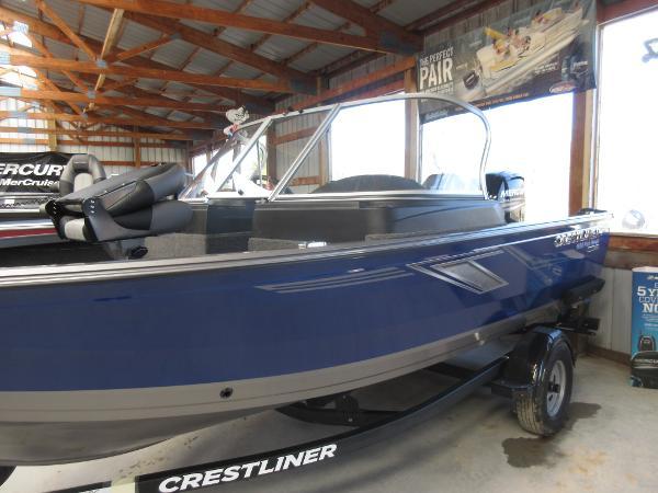 Crestliner 1650 Fish Hawk WT Jump Seat