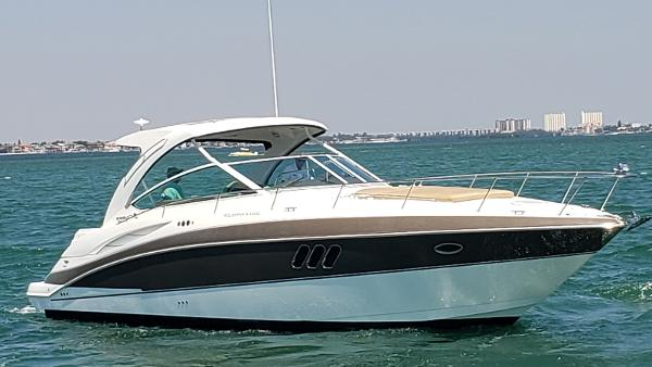 Cruisers Yachts 380 Express Coupe Profile