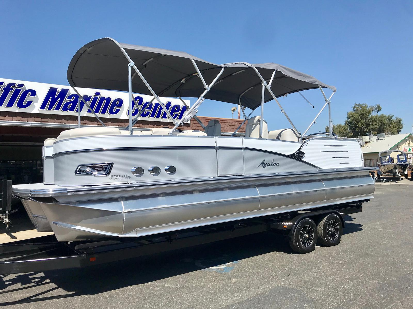 Avalon Catalina Platinum Rear Lounge 25' w/ 350 Verado!