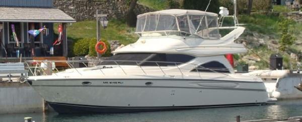 Maxum 4600 SCB dockside