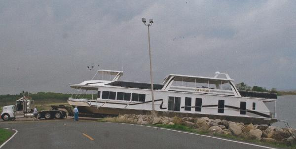 Fantasy 100 x 20 Wide Body Houseboat
