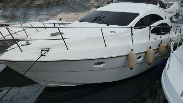 Azimut 42 Fly Azimut 42 for sale in Greece by Alvea Yachts