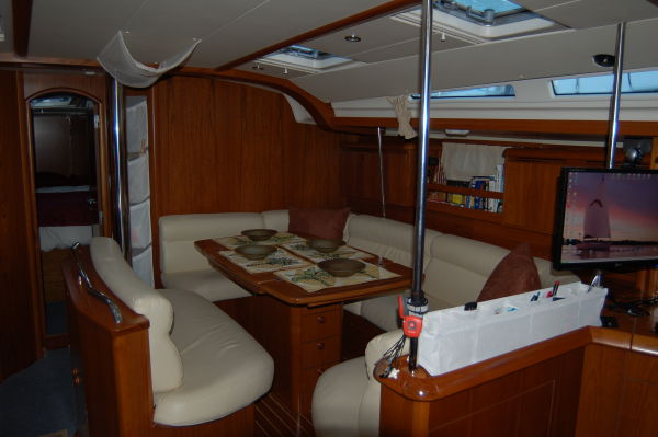 Main cabin looking fwd.