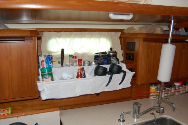 Galley organizer